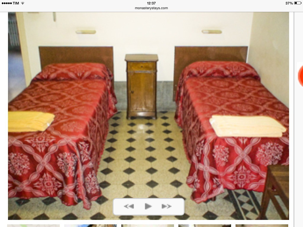 Una stanza delle suorine