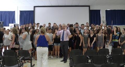 Di Pangrazio balla con gli studenti