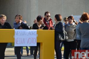 La protesta delle operaie della Canali ieri a Pescara