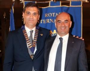 Alessandro Felizzi (a sinistra), presidente del Rotary Pescara Nord