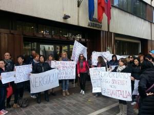 Un'altra immagine della protesta