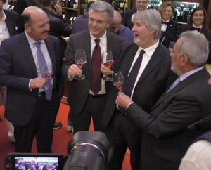 L'assessore Pepe col ministro Poletti al Vinitaly