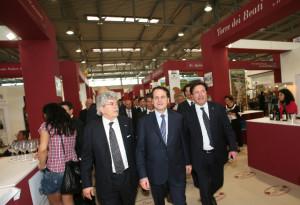 Febbo, ai tempi assessore all'Agricoltura, con Razzi e l'ex ministro Romano
