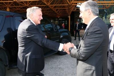 Dalfy sempre con l'ambasciatore