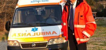 Razzi consegna l'ambulanza a Beppe Grillo
