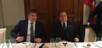Beati gli invitati alla cena di Silvio